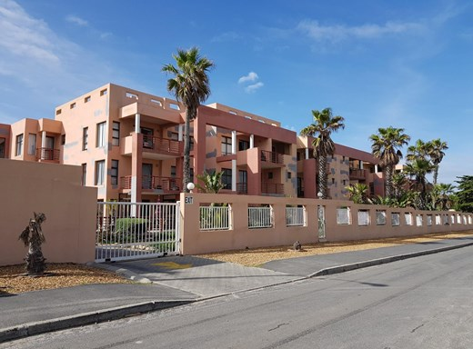 3 Bedroom Apartment for Sale in Bloubergrant