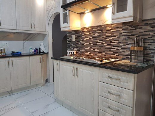 3 Bedroom House for Sale in Arboretum