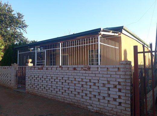 2 Bedroom House for Sale in Olifantshoek
