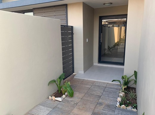 3 Bedroom House for Sale in Midstream Estate