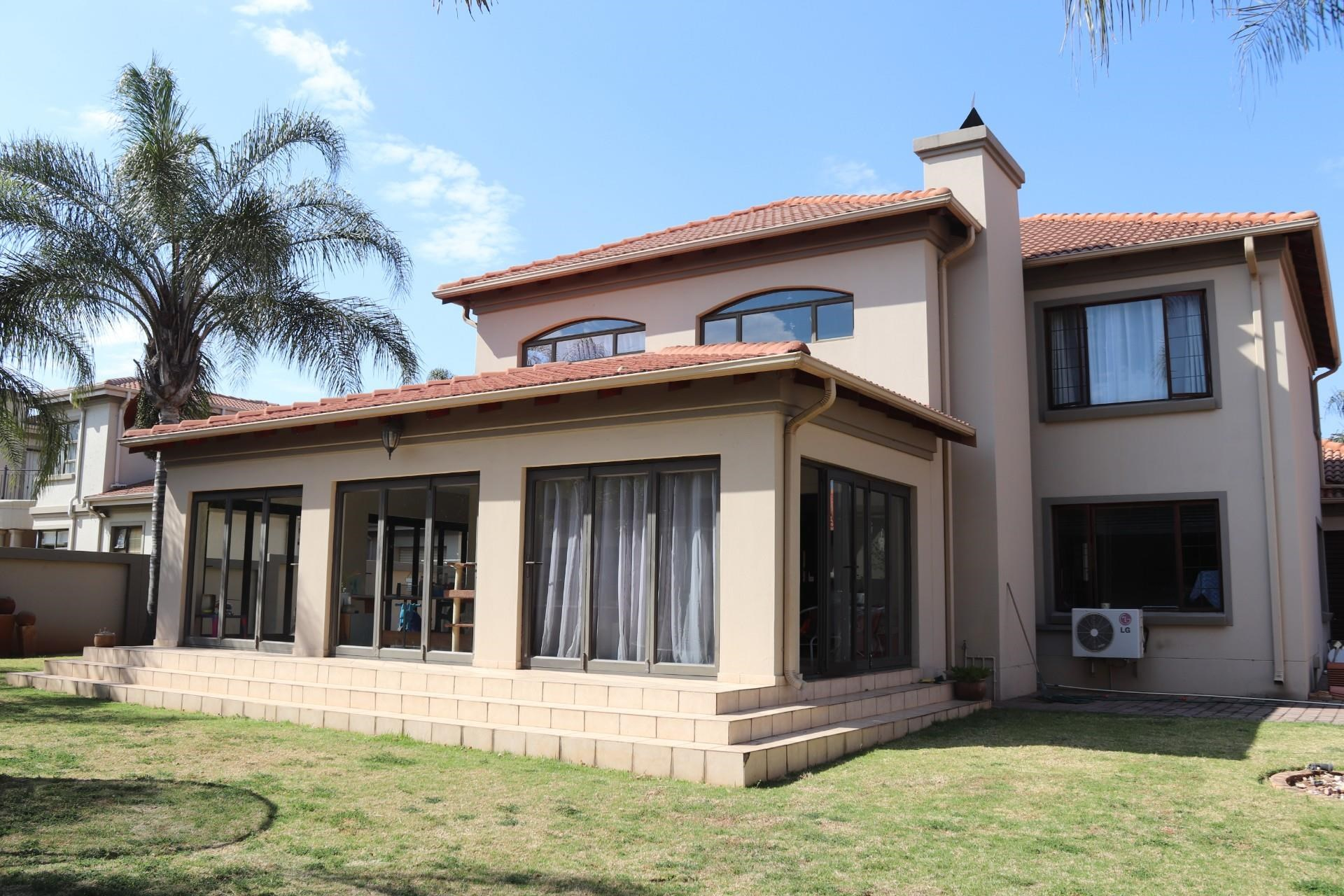 3 Bedroom House to Rent in Midstream Estate