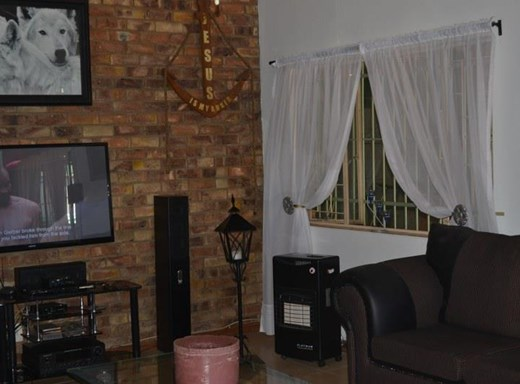 2 Bedroom House for Sale in Mountain View