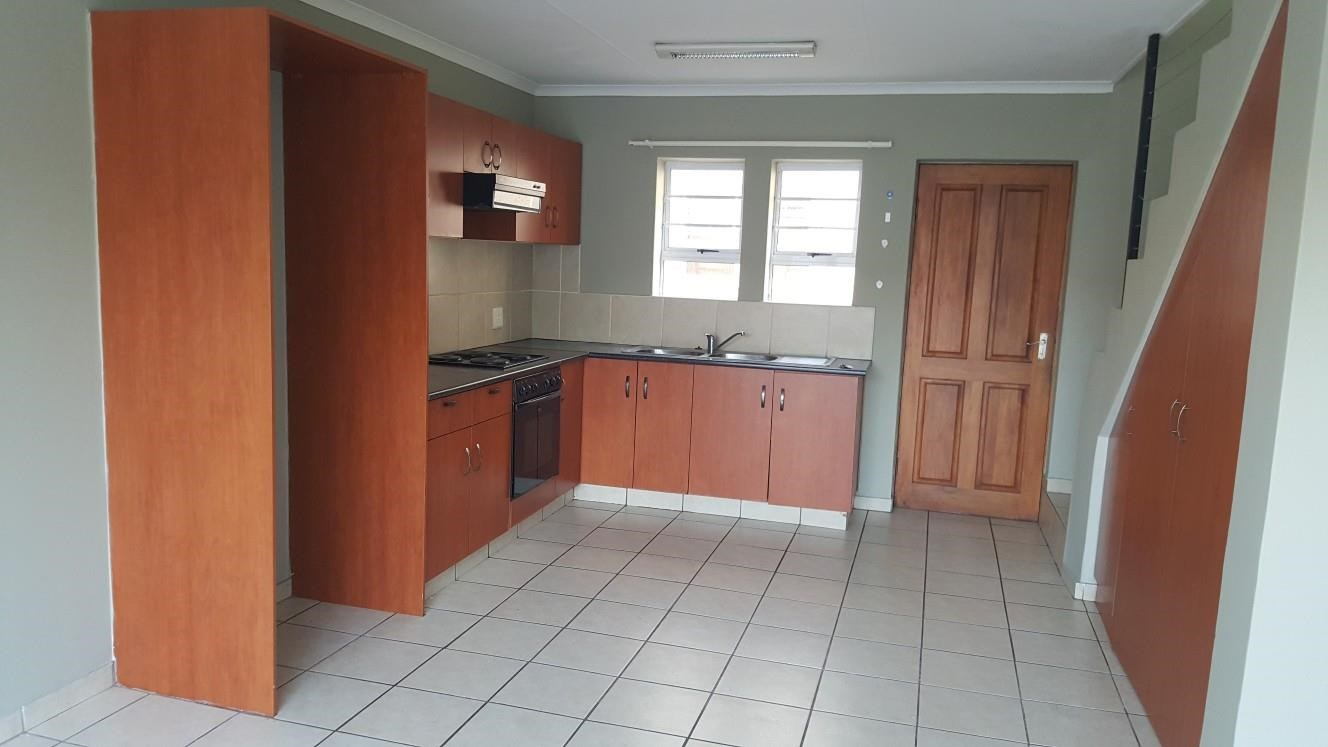 2 Bedroom Duplex for Sale in George South