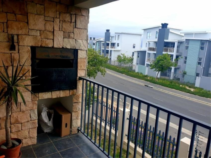 2 Bedroom House to Rent in Burgundy Estate