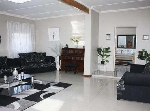 5 Bedroom House for Sale in Paglande