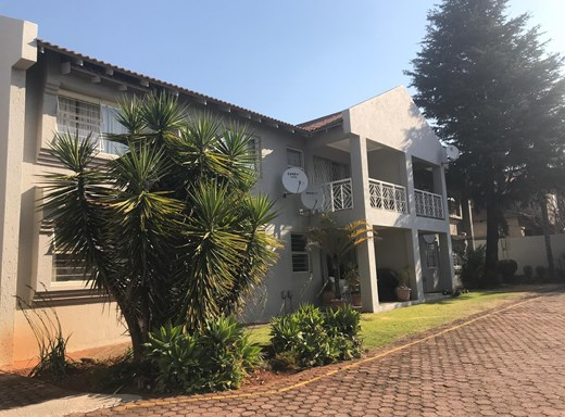 2 Bedroom Apartment to Rent in Fairland