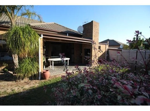 3 Bedroom House to Rent in Sonstraal Heights