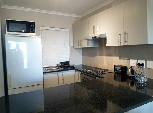 2 Bedroom House to Rent in Table View