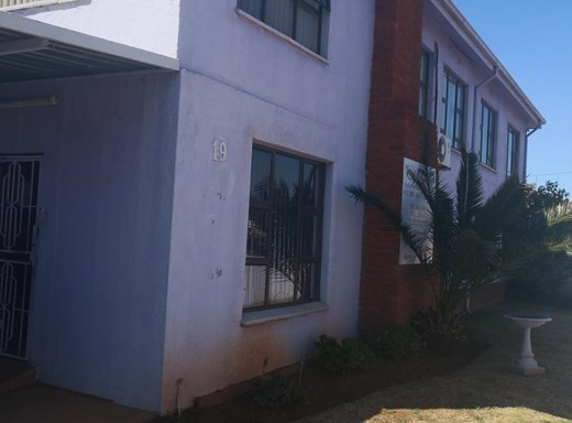 10 Bedroom House for Sale in Lenasia