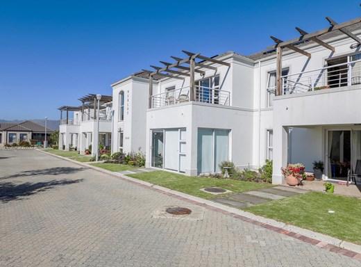 2 Bedroom Apartment for Sale in Heritage Park