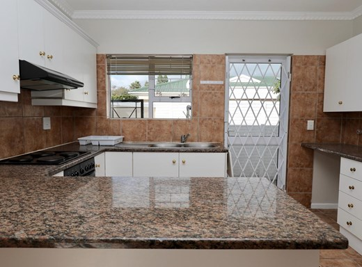 3 Bedroom House to Rent in Bizweni