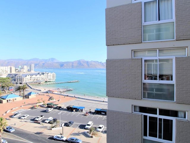 Strand Central Apartment For Sale