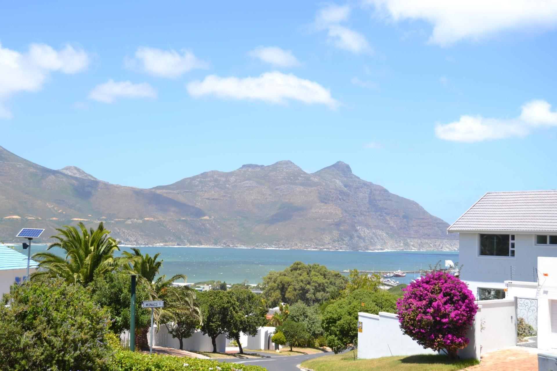 2 Bedroom Apartment to Rent in Hout Bay
