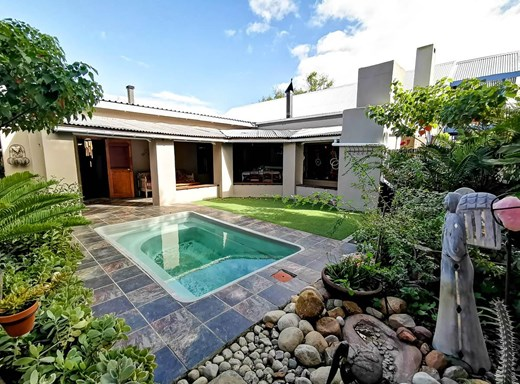 5 Bedroom House for Sale in Robertson