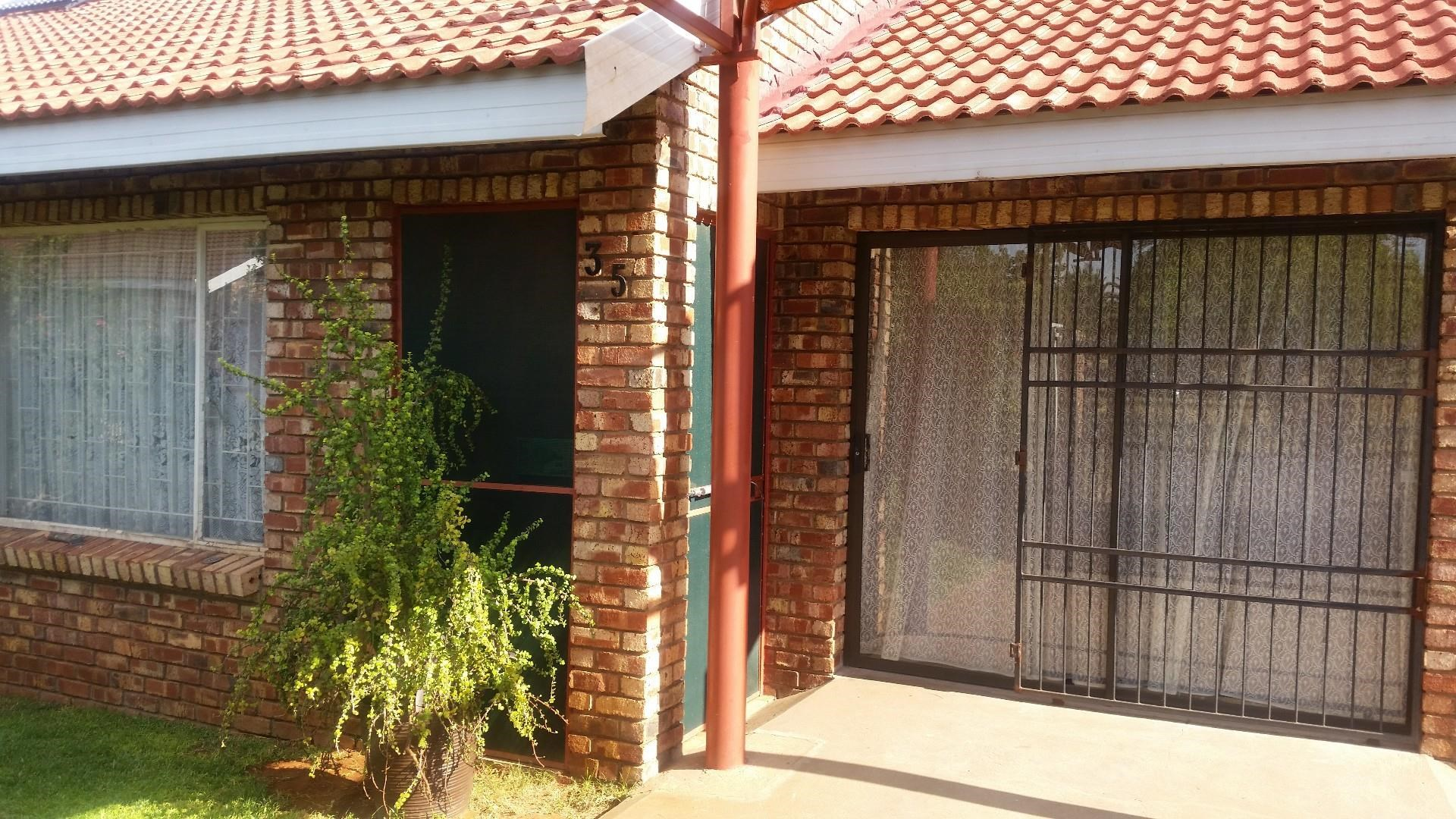 3 Bedroom House for Sale in South Ridge
