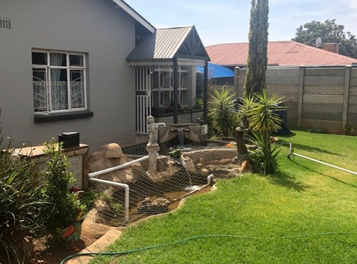 3 Bedroom House for Sale in Beaconsfield