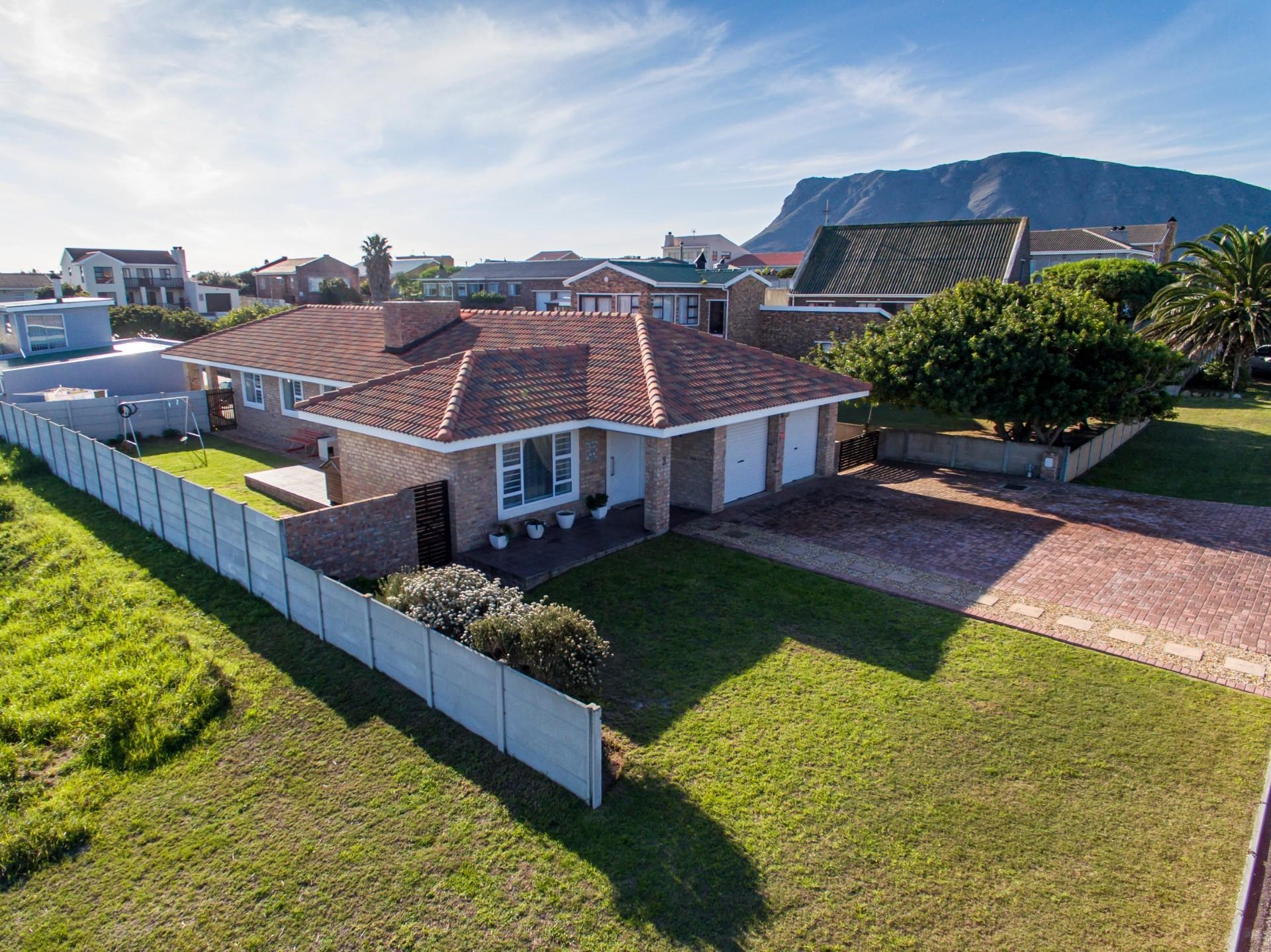 3 Bedroom House for Sale in Franskraal