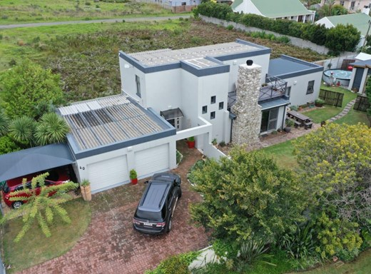 4 Bedroom House for Sale in Kleinmond Central