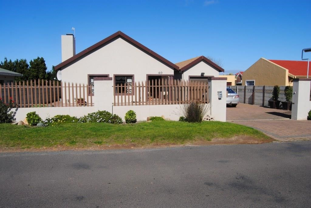 3 Bedroom House for Sale in Sandbaai