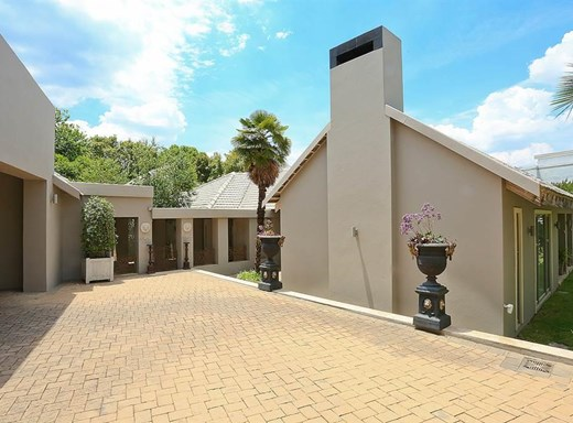 5 Bedroom House for Sale in Waverley
