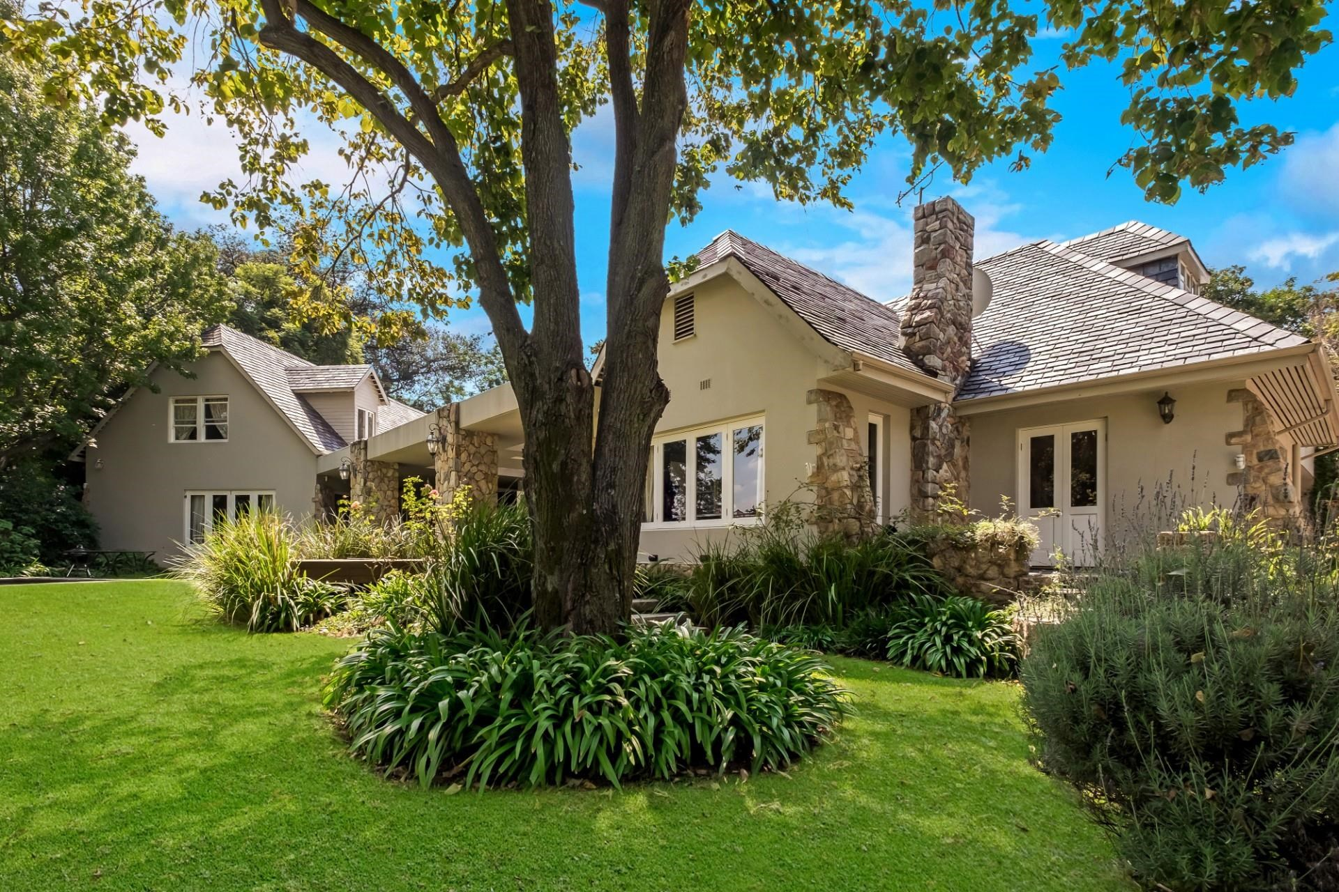 5 Bedroom House for Sale in Craighall