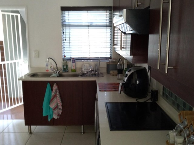 Greenstone Hill House To Rent