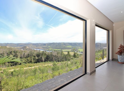 4 Bedroom House for Sale in Simola