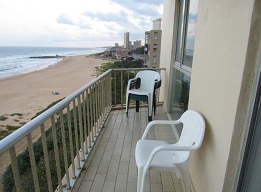 2 Bedroom Apartment for Sale in Amanzimtoti
