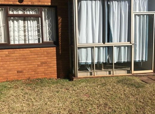 2 Bedroom Apartment to Rent in Illovo Beach