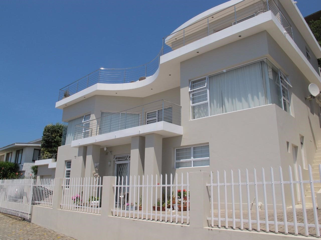 7 Bedroom House for Sale in Signal Hill