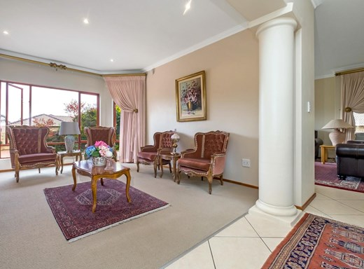 4 Bedroom Cluster for Sale in Chancliff