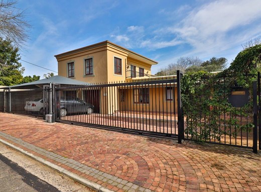 8 Bedroom House for Sale in Dalsig