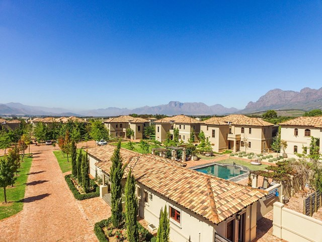 Paarl South House To Rent