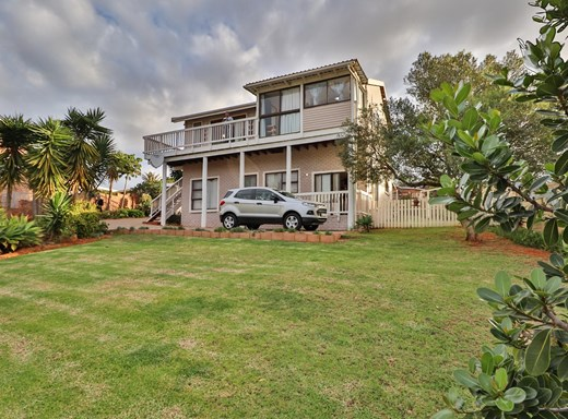 4 Bedroom House for Sale in Hartenbos Heuwels