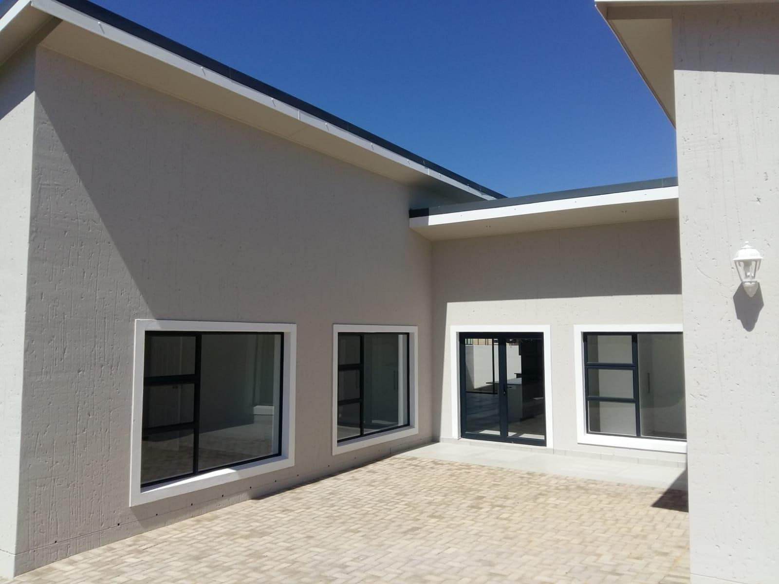 4 Bedroom House for Sale in Monte Christo