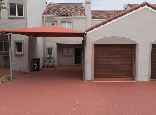 3 Bedroom Townhouse for Sale in Bayview