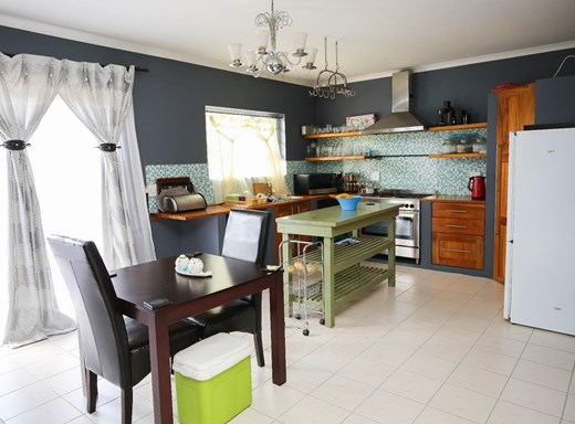 2 Bedroom House for Sale in Abbotsford