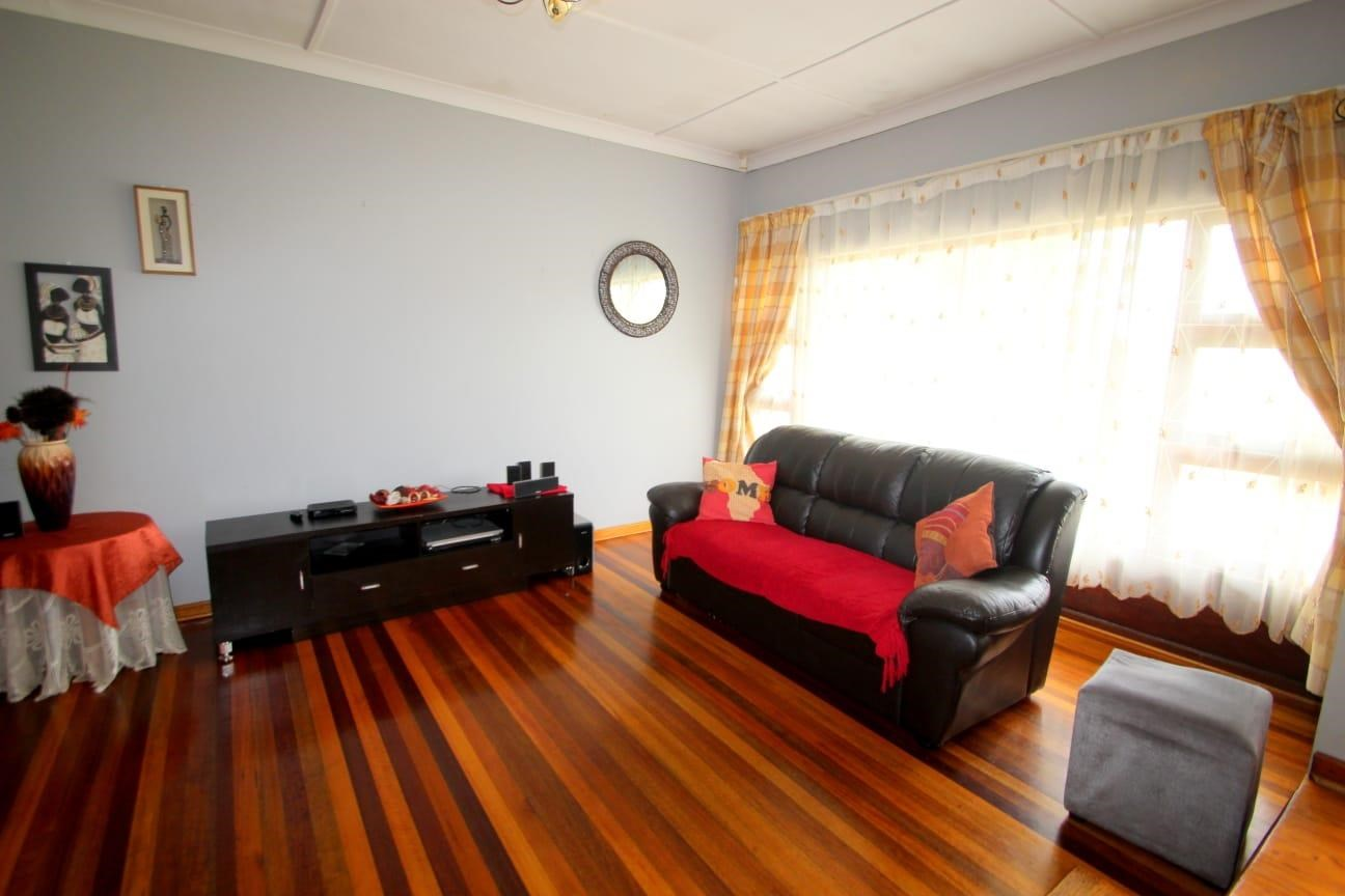 4 Bedroom House to Rent in Greenfields | East London ...