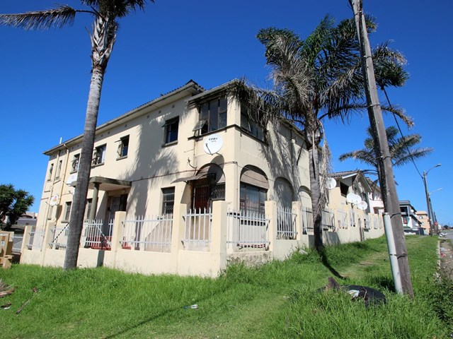 Quigney Beach Townhouse For Sale