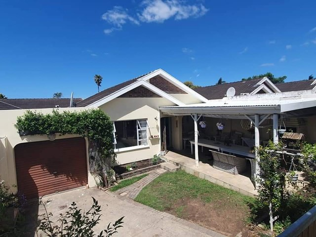Beacon Bay Townhouse To Rent