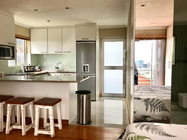 Vredehoek Apartment For Sale