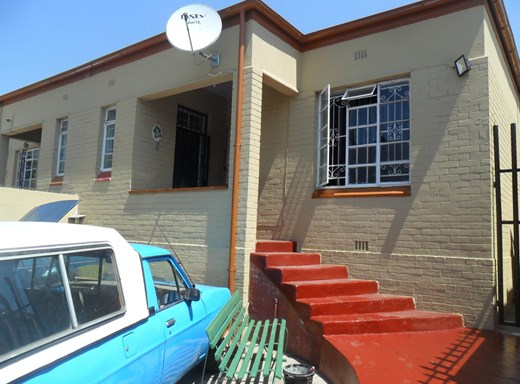 2 Bedroom House for Sale in Rosettenville