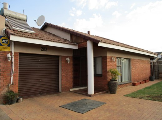 3 Bedroom House for Sale in Mid-Ennerdale