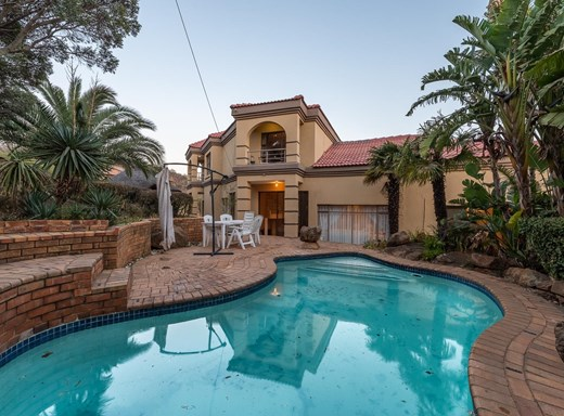 5 Bedroom House for Sale in Mulbarton