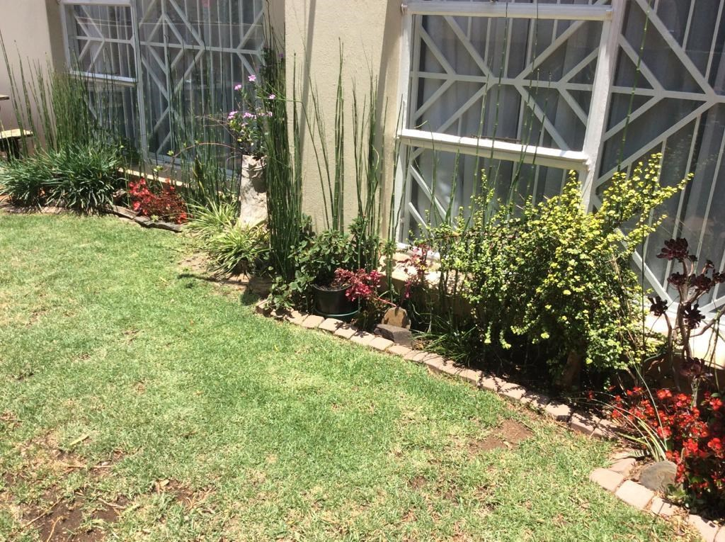 2 Bedroom Townhouse to Rent in Meyersdal