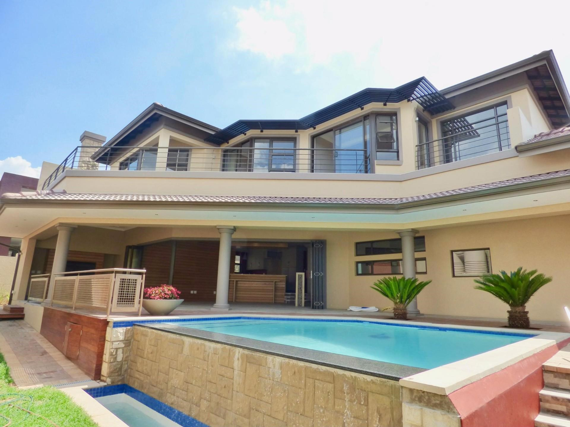 4 Bedroom House for Sale in Ebotse Golf Estate
