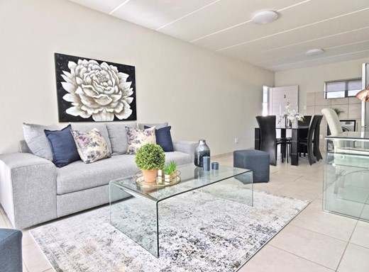 2 Bedroom Apartment for Sale in Brentwood