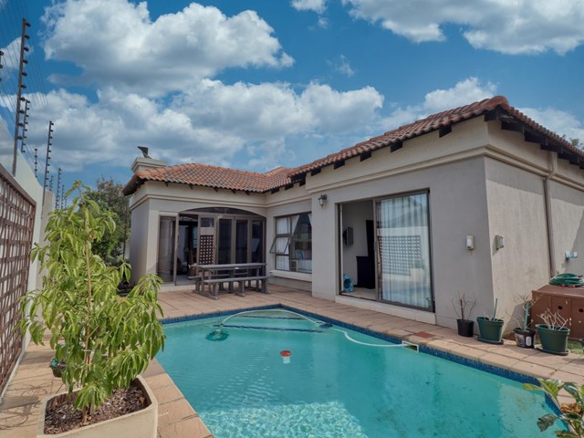 Rynfield House For Sale