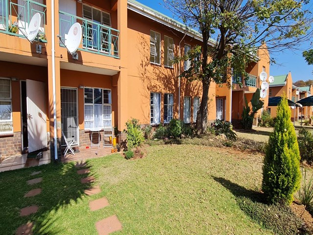 Boksburg North Townhouse For Sale