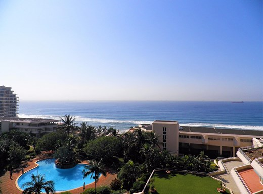 3 Bedroom Apartment for Sale in Umhlanga Rocks